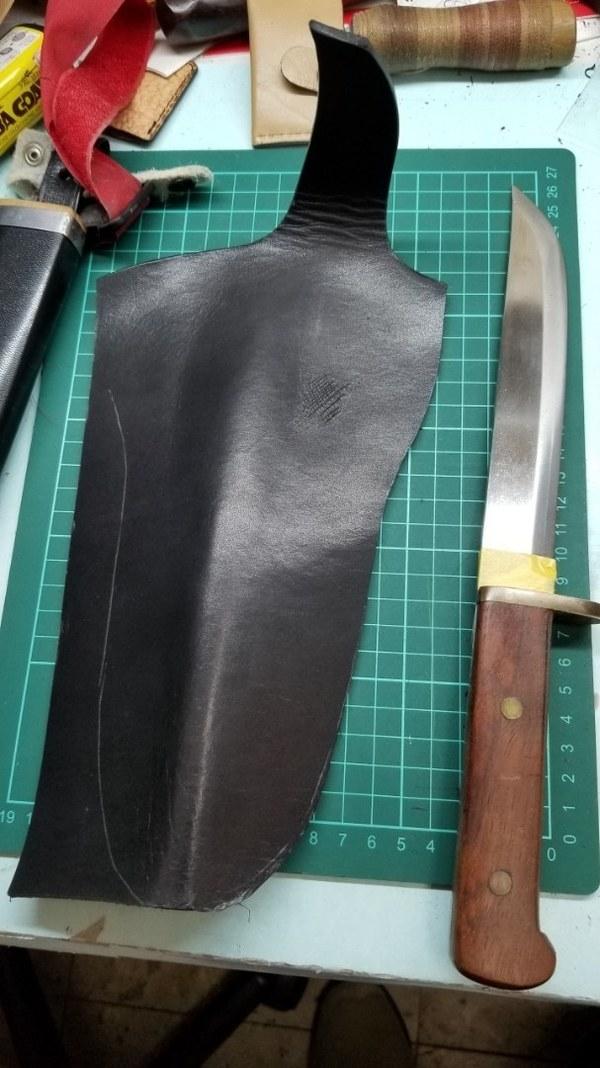 ハンティングナイフのシース作製サムネイル